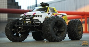 FS Racing 53810 con cámara Mobius